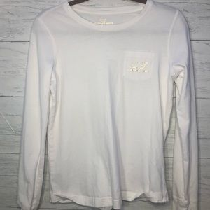 Vineyard vines white and gold long sleeve tee!